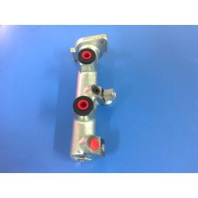 Maitre cylindre adaptable se monte en lieu et place de l'origine